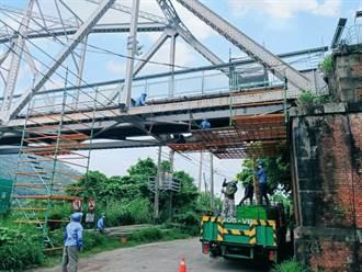 百年古橋再現風華 后豐鐵馬道花梁鋼橋進行塗裝工程