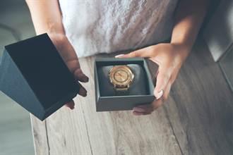 送修手錶被寄回來 包裹內藏餅乾 用途竟不是拿來吃的