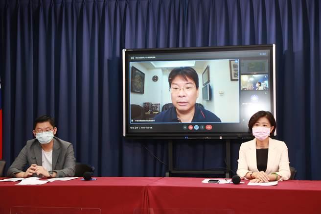 國民黨上午舉行「蔡政府防疫無能、解封失能」記者會。(國民黨提供)