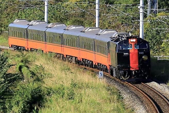 展現臺鐵美學新能量的鳴日號列車。(圖/臺灣鐵路管理局)