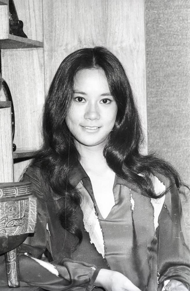 苗可秀年輕時是大美人,連日媒都被驚艷,特地到香港訪問她。(圖/中時資料照)