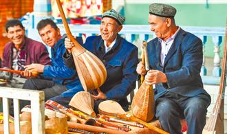陸發《新疆各民族平等權利的保障》白皮書 稱是史上最好發展期