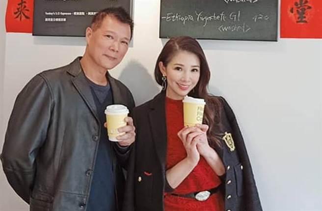 蔡詩萍和前美女主播林書煒結婚19年,育有一女。(圖/翻攝自臉書)