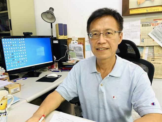 東海大學地方自治研究中心執行長、政治系教授潘兆民說明民調結果。 潘兆民提供