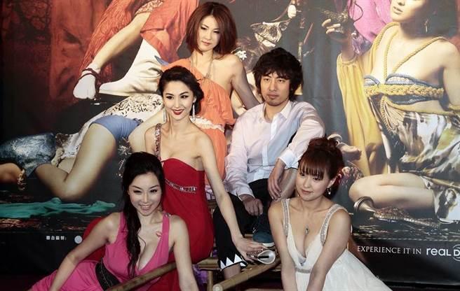 《3D肉蒲團之極樂寶鑑》2011年電影首映會。圖為雷凱欣(左起)、藍心妍、石詠莉、葉山豪、周防雪子。(圖/中時資料照)