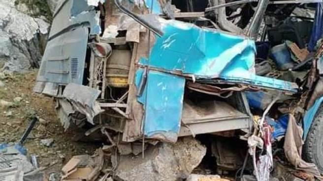 巴基斯坦公車爆炸陸籍工程師9死28傷,中國交部發言人趙立堅表震驚與譴責。(澎湃新聞)