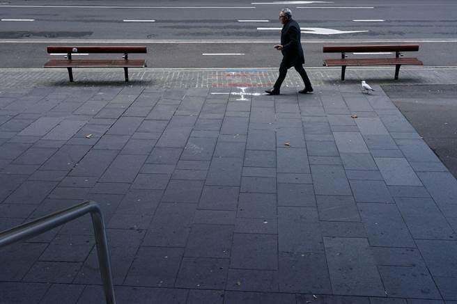 新威爾斯州州長宣布,雪梨半封城令將再延長實施至少兩週。(圖/路透社)