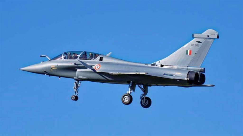 傳出引進殲-10C的印度智庫表示,採購殲-10C主要是應對印度空軍採購36架法製飆風戰機(圖)的威脅。(圖/網路)