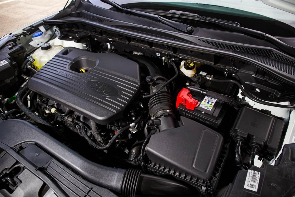 搭載EcoBoost 250 2.0L渦輪引擎,動力為同級最強,擁有250PS/5,500rpm最大馬力、38.7kgm/3,000rpm最大扭力。