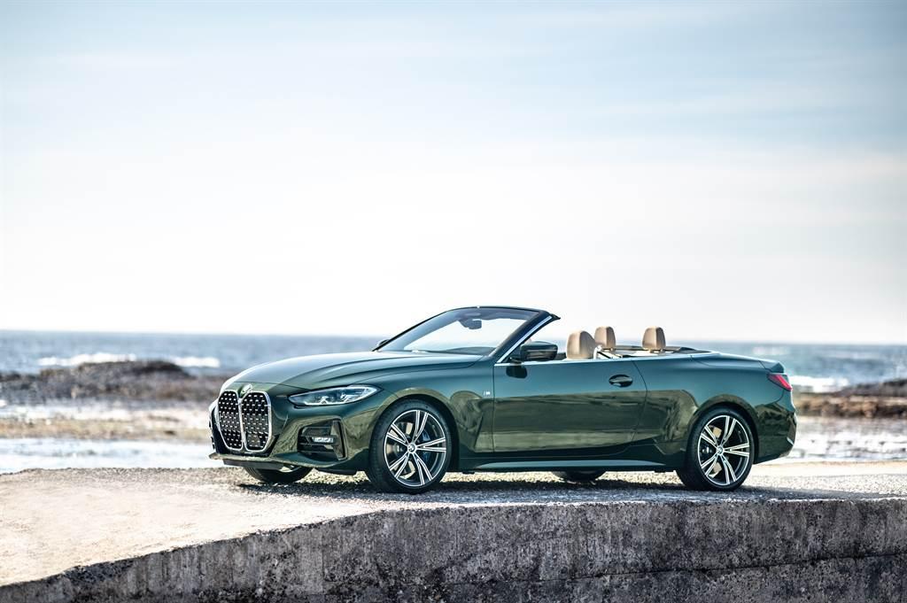 BMW總代理汎德正式發表全新BMW 430i M Sport Convertible敞篷跑車,售價315萬元。