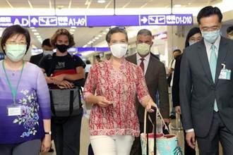 孫曉雅15日接任AIT處長 美首度以專機送外交郵件