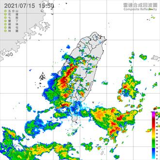 不斷更新》大雷雨狂炸中南部 雲嘉南雨勢升級 10縣市豪大雨