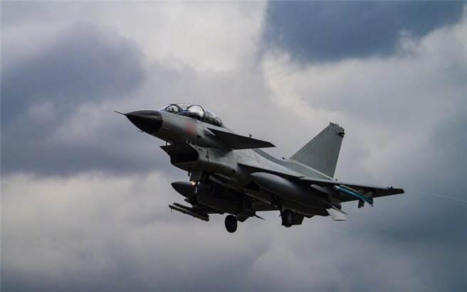巴國引進若引進大陸殲-10C,將是大陸此款新式戰機出口首單,具有軍事工業里程碑的意義。(圖/解放軍報)