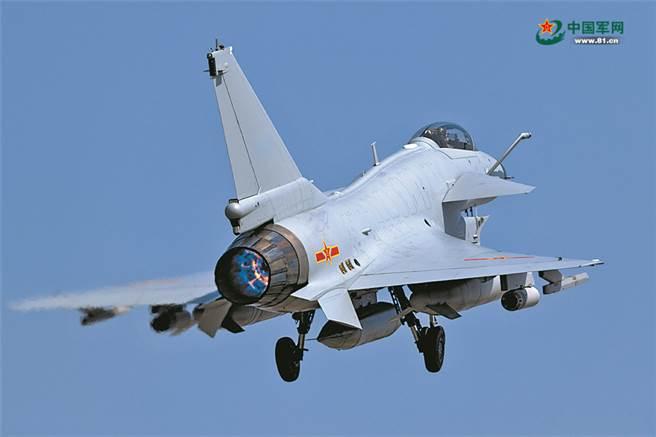讓巴國空軍駕殲10C在印巴戰場上對印度飆風戰機建功,則是中國不計一切提供殲-10C給巴國的真正目的。(圖/中國軍網)