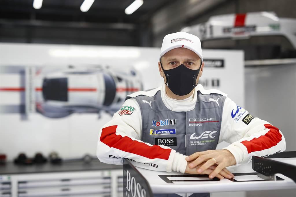 駕駛91號保時捷911 RSR的Porsche GT車隊車手Gianmaria Bruni,分享道:「我們必須在Rettifilo彎道之前慢下來,必須相信我們的車每次都能完美減速,但同樣重要的是敏捷地加速出彎的能力。」
