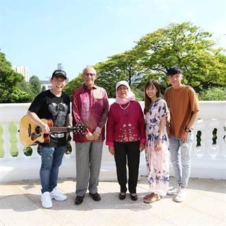 「新加坡F.I.R.」成軍5年唱進星國總統府