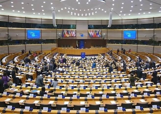 歐洲議會外委會通過呼籲歐盟制訂中國新戰略的報告草案。(香港東網)