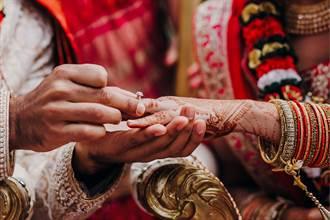 新娘婚結到一半突報警毀婚禮 淚曝心酸真相眾人看傻