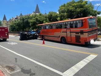 花蓮客運與小貨車路口劇烈碰撞 貨車副駕傷重不治