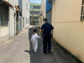 三級警戒悶壞了 3歲男童偷跑出家門遊蕩