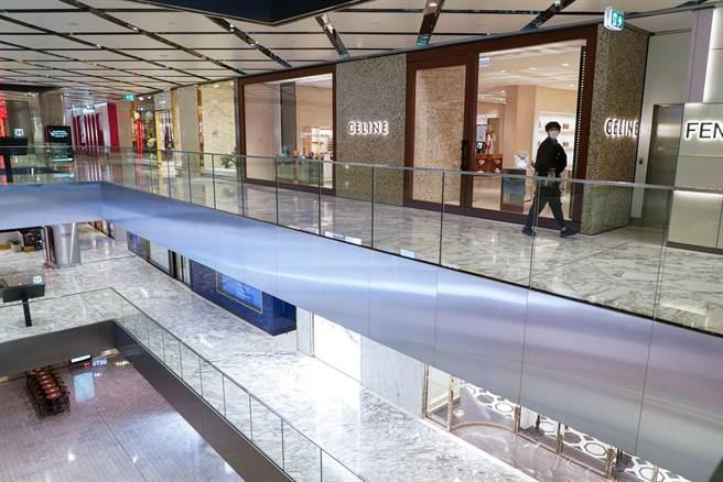 新南威爾斯州當局表示,雪梨與周邊地區被視為「非關鍵」的零售業者必須關門。(圖/路透社)