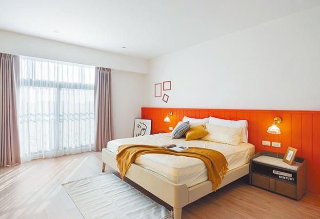 想臥室設計有助放鬆心情,好入眠,信義居家認為可從室內亮度、空氣循環、壁面色彩等三大面向著手。(和倫室內設計提供)