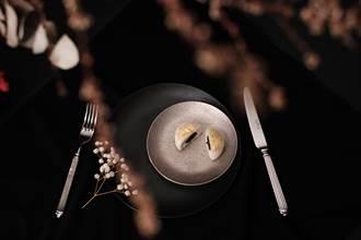 獨〉高端禮盒市場大 首見奢華魚子醬月餅入台
