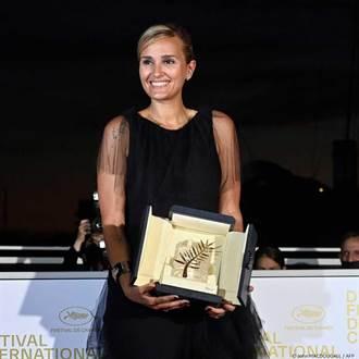 坎城得獎名單/37歲法國女導《鈦》奪金棕櫚 評審團主席提前爆雷