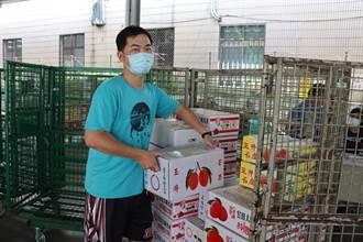 台南芒果快捷爆量 郵局調職員工周日回玉井當義工搬貨