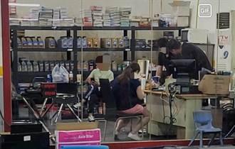 男在量販店脫罩抽菸 遭勸反嗆「別那麼缺德」慘吞2罰單