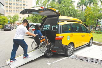 中市爭補助 添30輛通用計程車