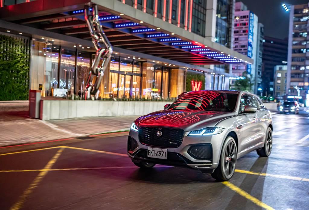 首波車型皆搭載2.0L直列四缸渦輪增壓引擎,最大動力達250PS,搭配8速手自排變速箱,0-100公里加速只需7.3秒。