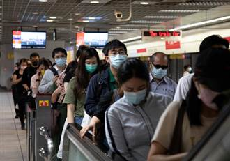 台灣難「清零」 口罩短期內脫不下來