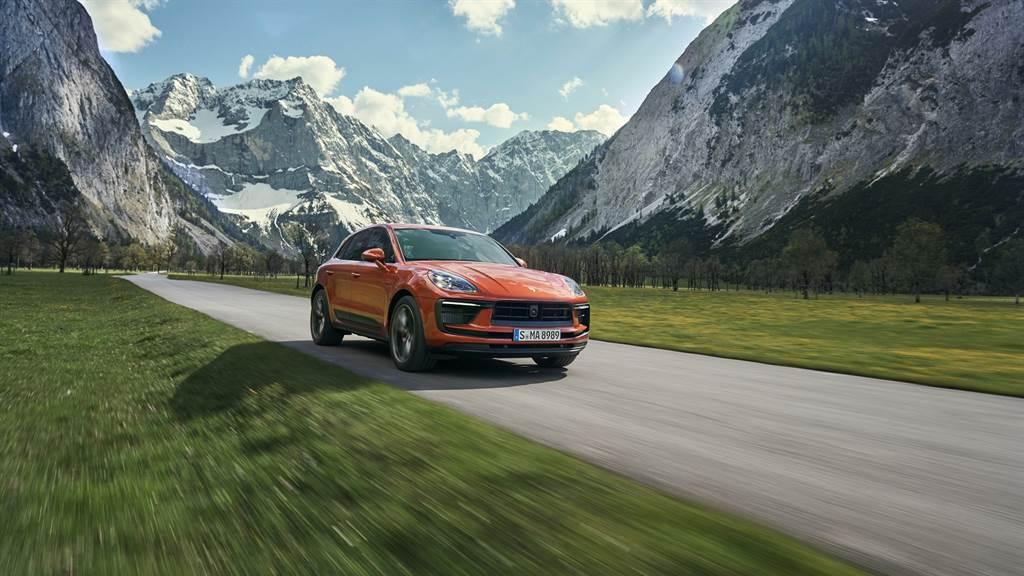 全新Macan的懸載系統提供更寬廣的延展範圍,兼顧高乘坐舒適度,及極致運動化的駕控表現。