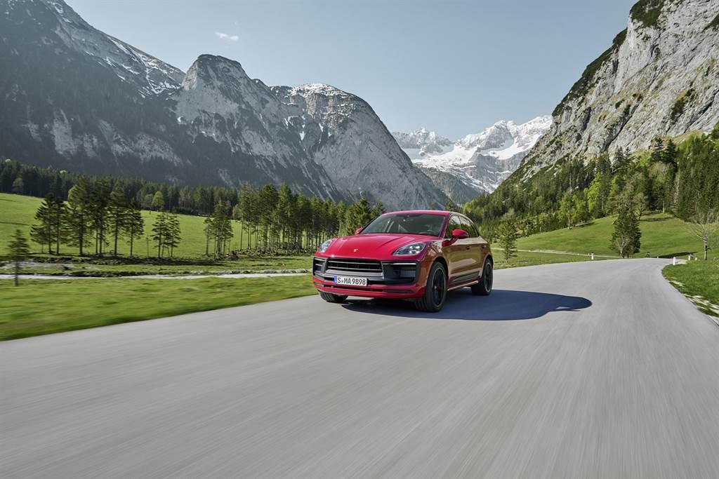 配備跑車計時套件(Sport Chrono package)後的Macan GTS,僅需4.3秒便可完成0~100 km/h加速,極速達272 km/h。