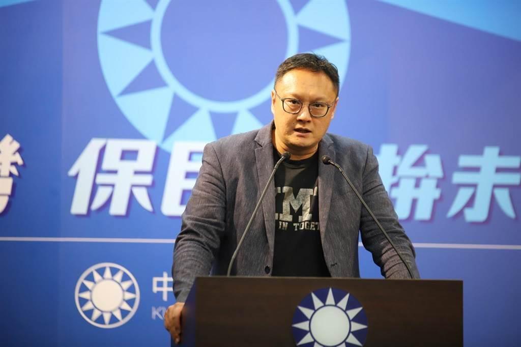 國民黨文傳會副主委鄭照新。(翻攝鄭照新臉書)