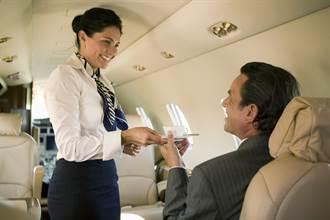 空姐曝搭飛機小技巧 做一舉動就能獲得特殊待遇