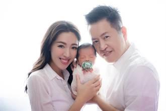劉伊心誕二胎拍寫真 寶貝兒表情包逗笑全家