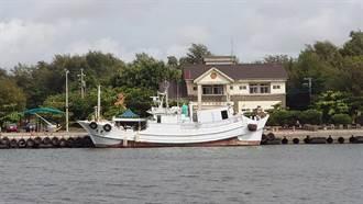 海巡查獲屏東漁船涉走私 船上6人PCR陽性