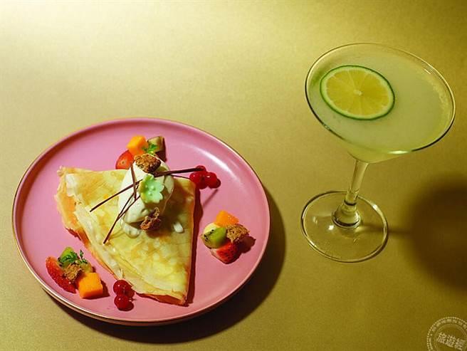 創意吃法_日式薄餅玩創意搭配廣式小月餅,與經典調酒Wild Lady白色佳人很搭。(旅遊經提供)