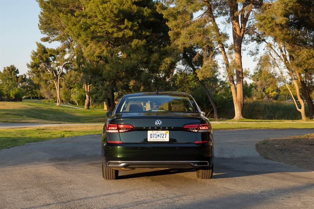 美規 Passat 即將謝幕,Volkswagen Passat Limited Edition 紀念版亮相、限量生產 1973 輛!