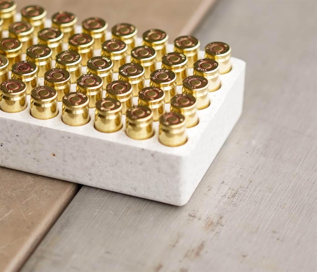 美国民众持续抢购枪械和弹药,让相关厂商大赚一笔。图为9公厘手枪弹。(图/DVIDS)(photo:ChinaTimes)