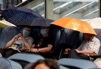 暴雨阻斷回家路 鄭州民眾留宿飯店、公司一夜難眠