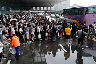 鄭州強降雨各省緊急馳援 午前班機只出不進