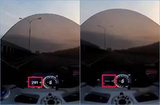 義大利辣妹輾壓台74線 杜卡迪重機狂飆時速300km