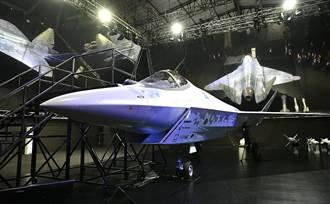 俄總統現身航太展 第5代戰機原型亮相