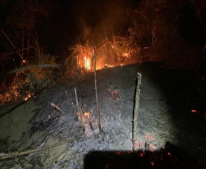 簡姓農民以火耕種植竹筍,遭警方依法送辦。(警方提供)