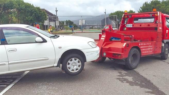 北市河川區車輛「只出不進」的管制措施,修正自22日晚間8時啟動,疏散門關閉後,仍滯留於河濱公園的車輛,則被開罰2650至5900元。(示意圖/本報資料照片)