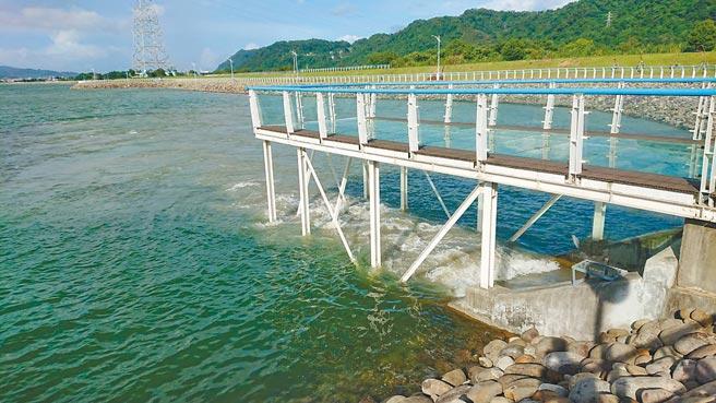 因應烟花颱風來襲石門水庫進行調節性放水。(北水局提供/呂筱蟬桃園傳真)