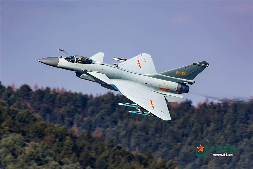 戰機是高價值的尖端武器,外銷戰機不只是商品交易,它還隱含著交易雙方具有高度信賴的外交關係與軍事上準同盟關係。(圖/中國軍網)